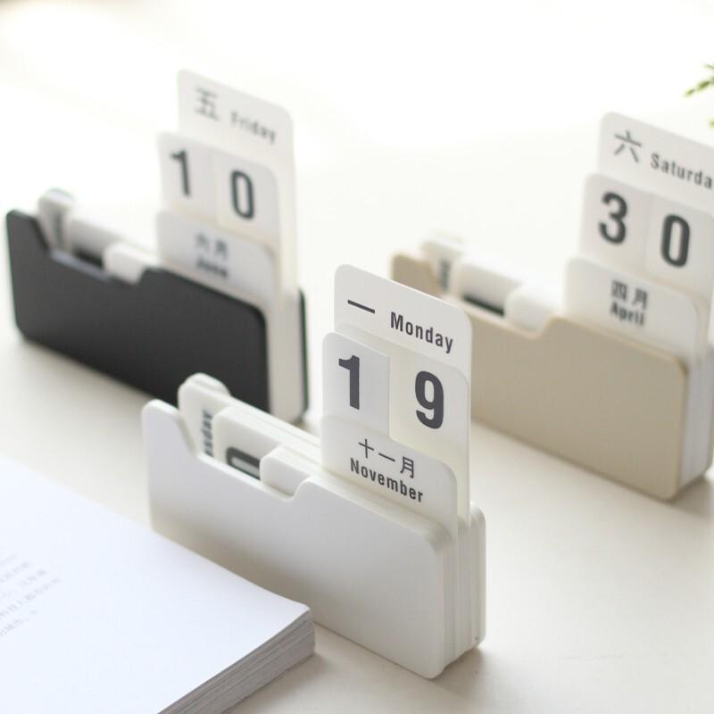 Creative-Plastic-Mini-Cute-Office-Calendar